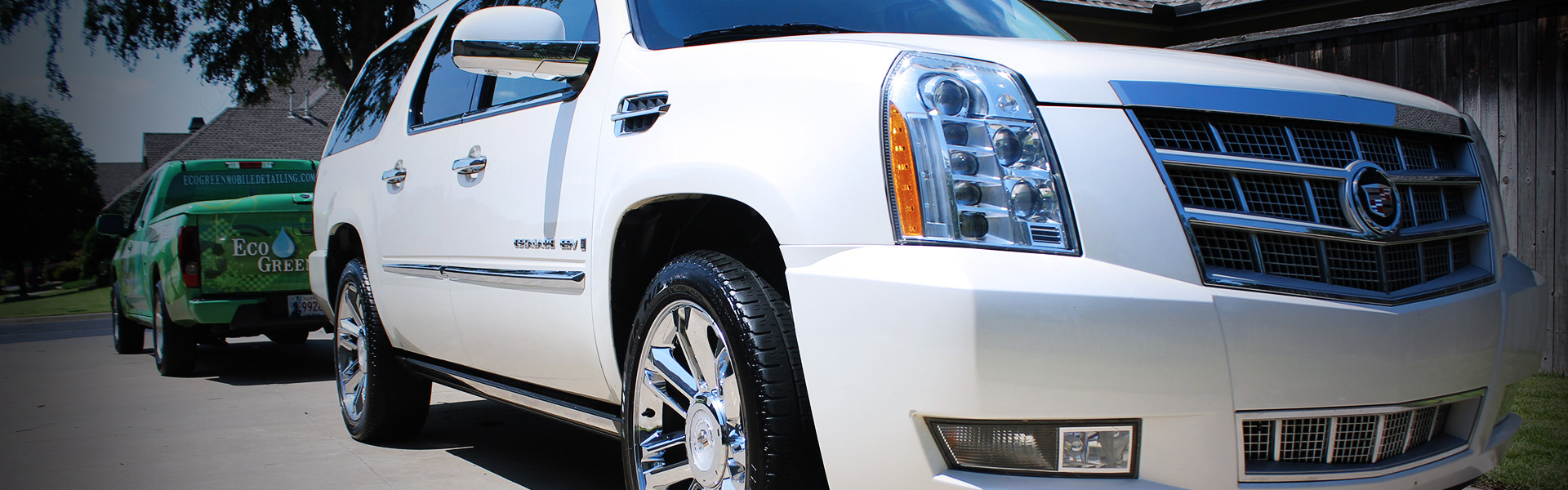 Picture of Cadillac Escalade in EcoGreen About Banner